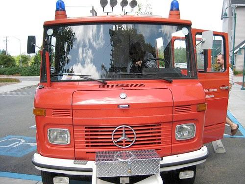 make_firetruck092508.jpg