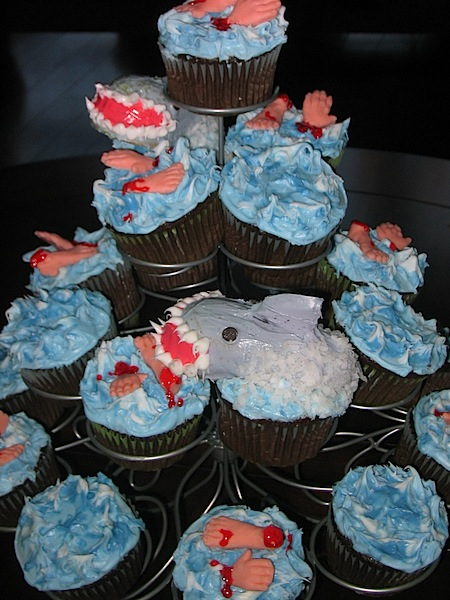 sharkattackcupcakes.jpg