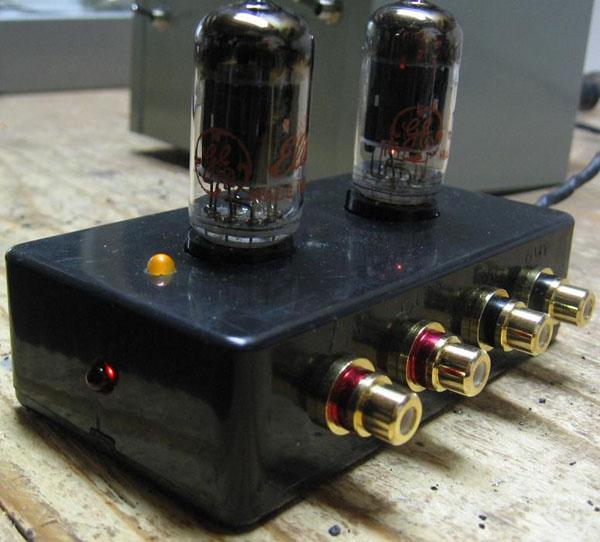 DIY-12AU7-Tube-Preamplifier.jpg