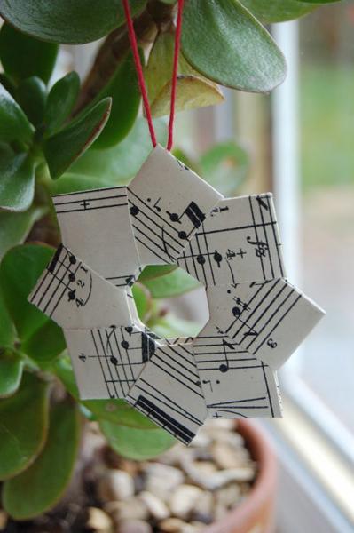 OrigamiWreath.jpg