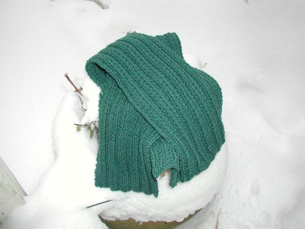 green scarf.JPG