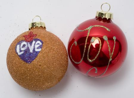 ornamentsglitter-745929.jpg