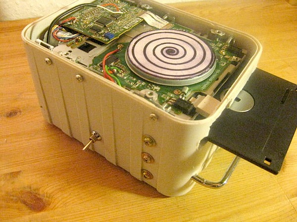circuitbentfloppydrive.jpg