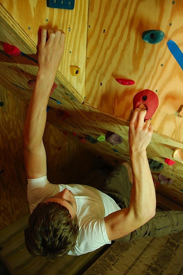 climbingwallgarage1.jpg