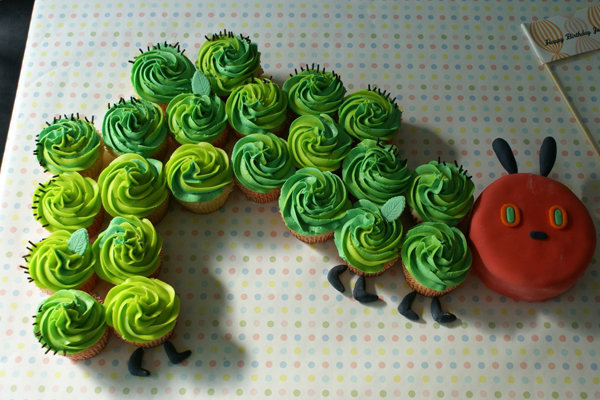 hungrycaterpillarcupcakes.jpg