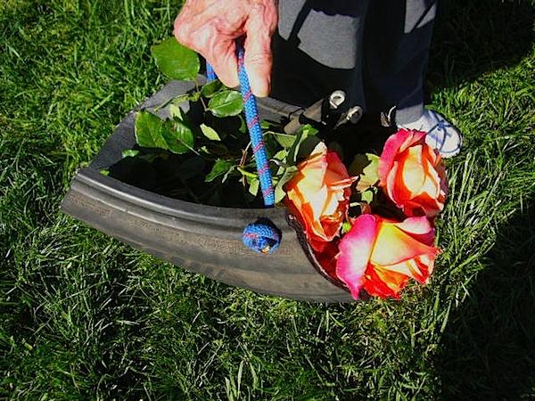 tiretrugflowers.jpg