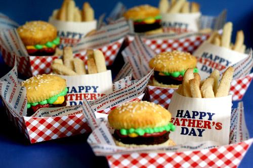 fathers_day_cupcake_burgers.jpg