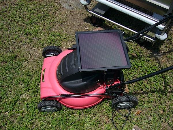 solarlawnmower.jpg