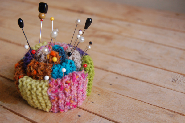 Mixing Fibers Free Knit Pin Cushion Pattern Make