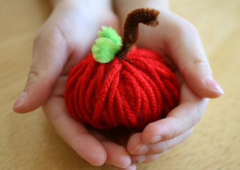 yarn_apples.jpg