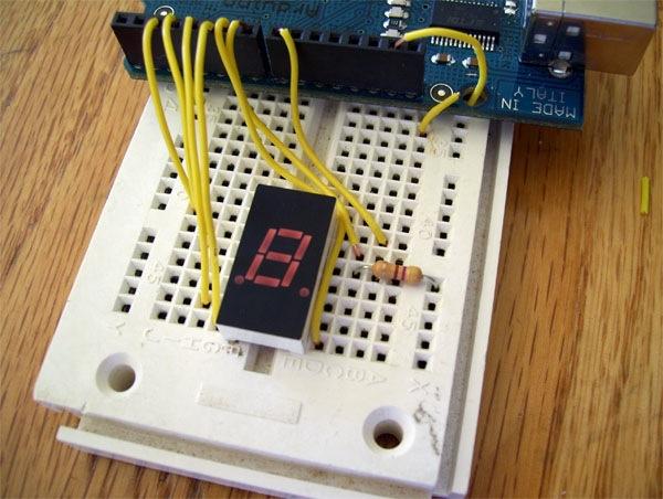arduinoEMFdetectorNumerical1_cc.jpg