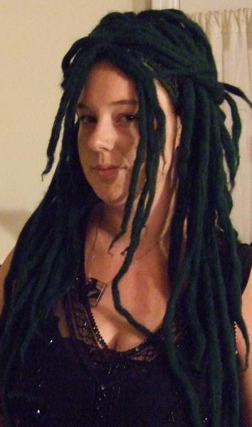 How to make a dreadlock wig for halloween make greendreadlockwigfinal2g urmus Images