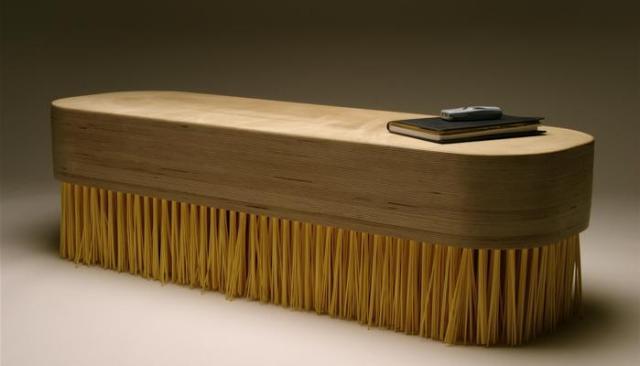 brush_table.jpg
