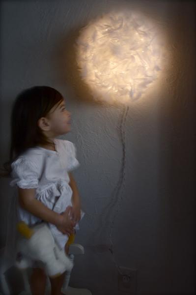 pompom_light.jpg