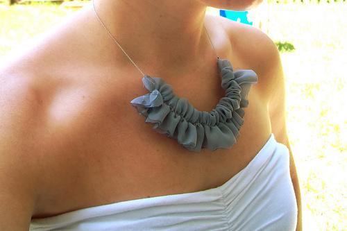 Sewingguide Rufflenecklace