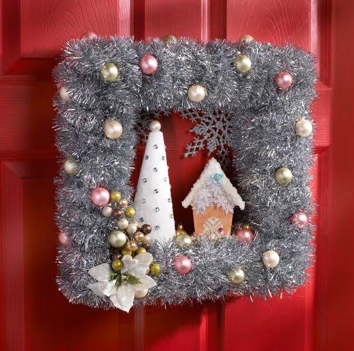 vinatge_christmas_wreath.jpg