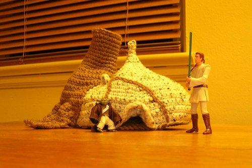 crochet_yoda_hut.jpg