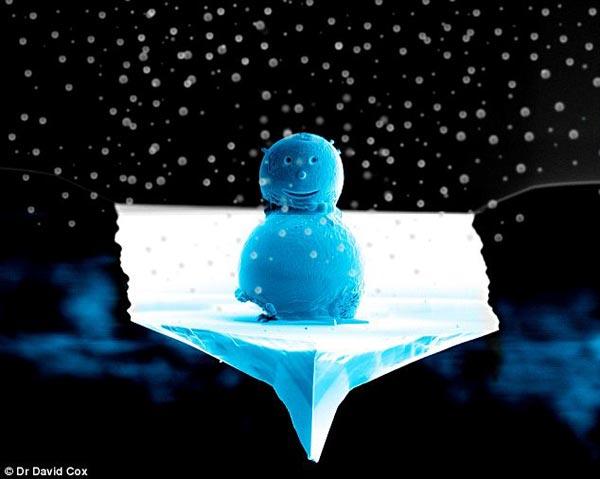 worlds-smallest-snowman_1.jpg
