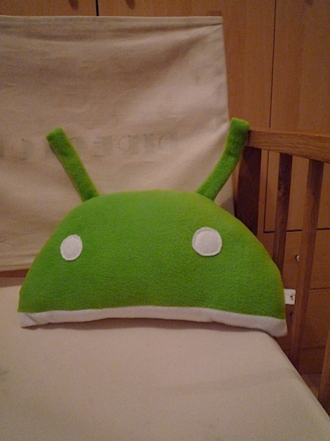 flickrandroidcushion.jpg