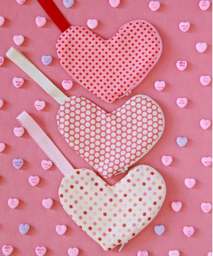 zipper_heart_pouches.jpg
