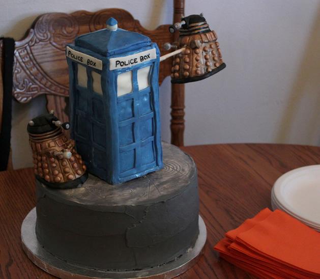 Dr_Who_Birthday_Cake.jpg