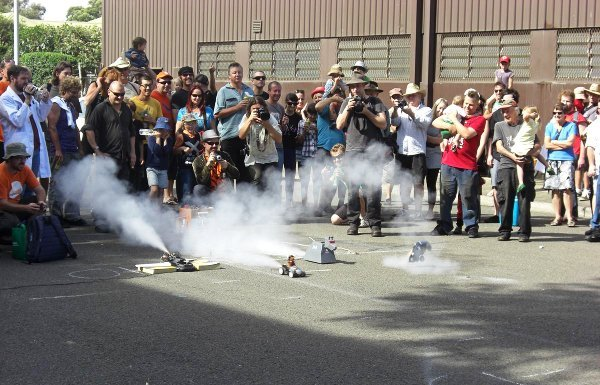 rocket_powered_car_races.jpg