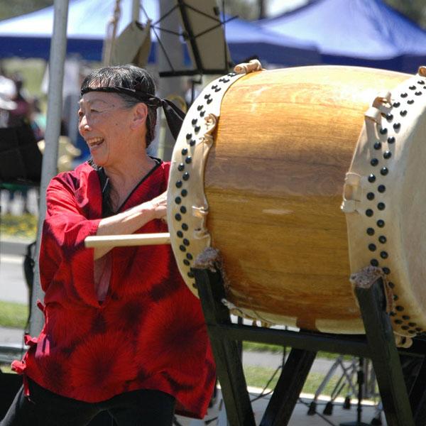 barrel-drum-playing.jpg