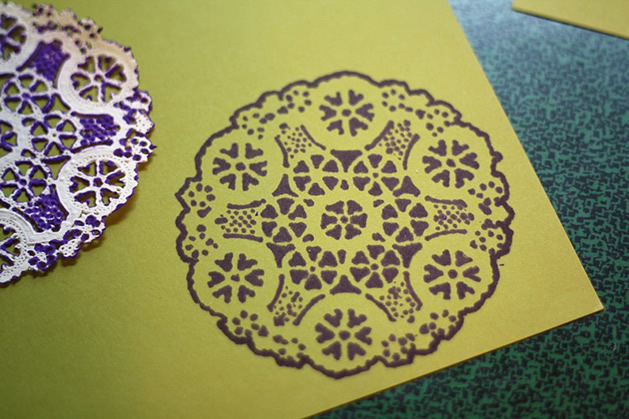 How_To_Stencil_Doily_Sharpie.jpg