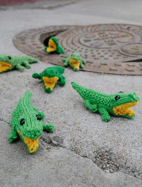 how_to_knit_baby_gator.jpg