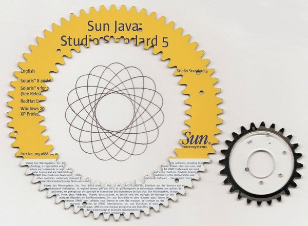 recycled-cd-spirograph-with-drawing.jpg