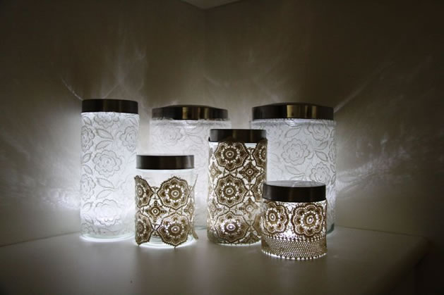 how_to_make_lace_lanterns.jpg