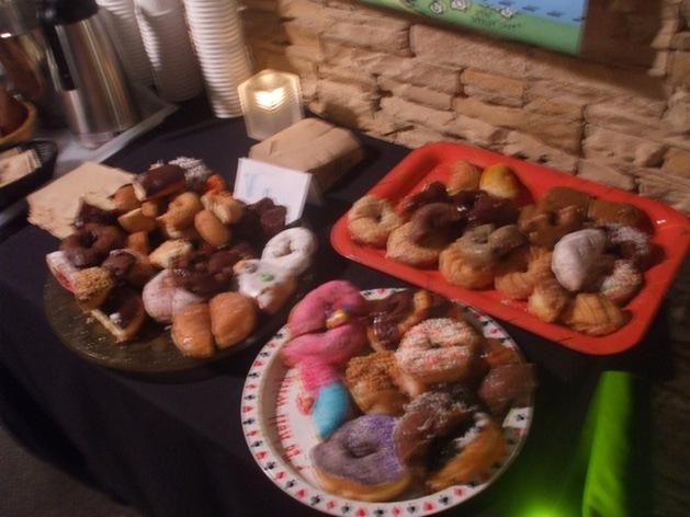 Summit-of-Awesome-FRI-doughnuts.jpg