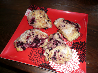 blackberry_scone_homemade.jpg