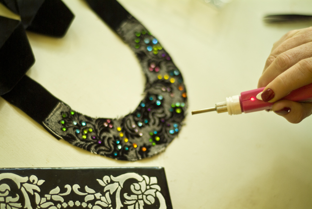 crystal_brocade_necklace_07.jpg