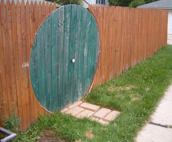 hobbitdoor.jpg