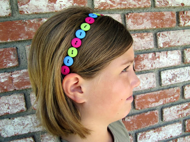 how_to_stretchy_button_headband.jpg