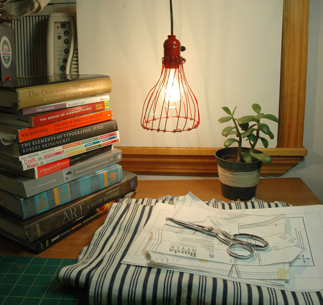 pendant_lamp_books_web.jpg