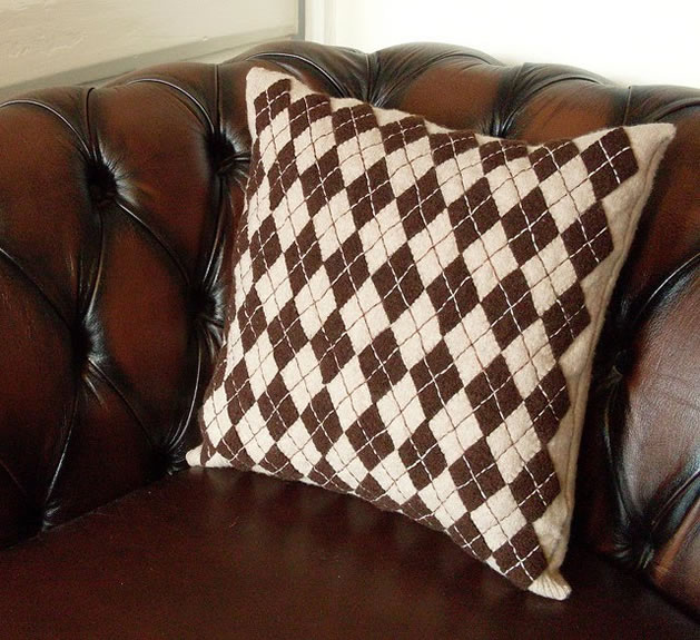 recycled_sweater_argyle_pillow.jpg