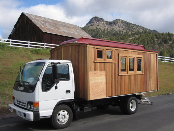 polly-the-housetruck.jpg