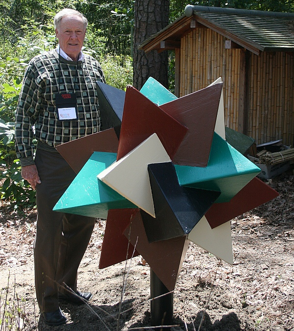Dale-Seymour-5-tetrahedra.jpg