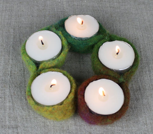 knit_candle_holder_2.jpg