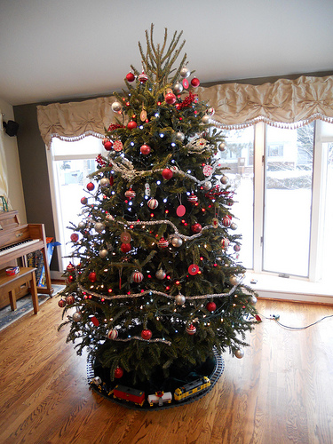 martha_tree_ornaments.jpg
