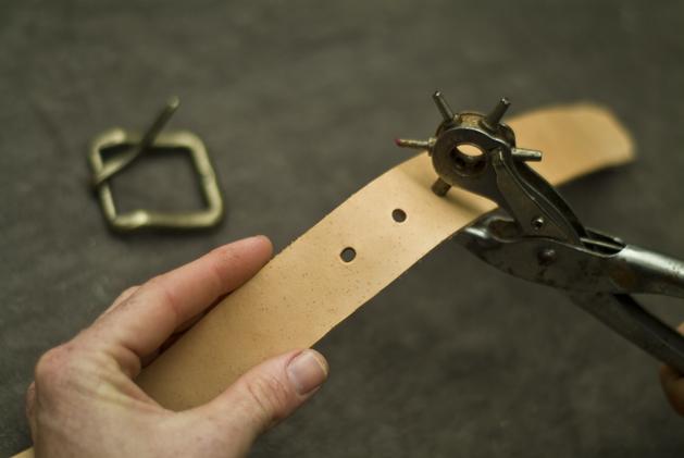 craftzine_leather_belt_10.jpg