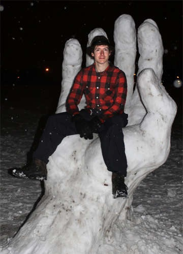 snowhand.jpg