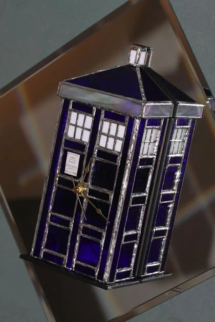 stained_glass_TARDIS_clock.jpg
