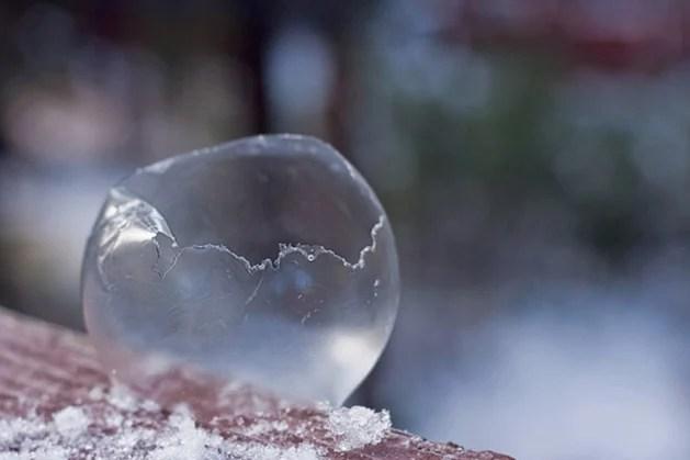 suckaface-bubble-photog-frozen-popping.jpg
