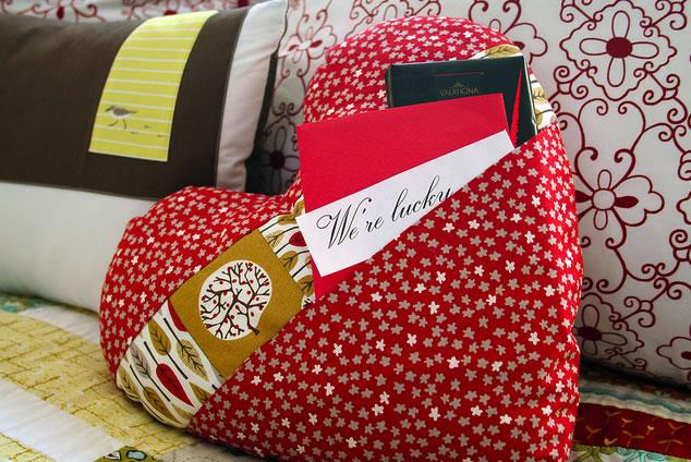 pocket_of_love_pillow.jpg