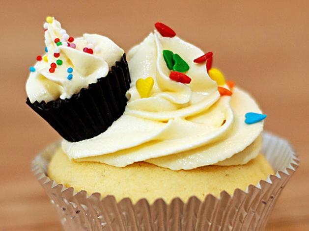 cupcake-on-cupcake1.jpg