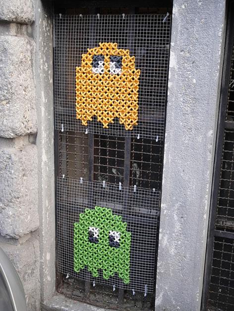 cross_stitch_pac_man_street_art.jpg