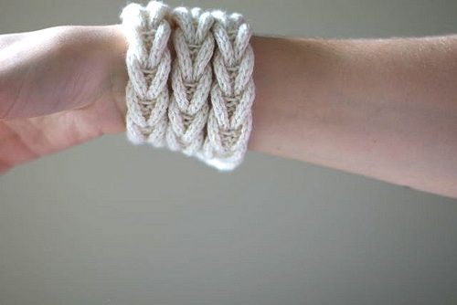 cable_bracelet.jpg